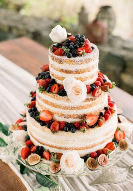 أجمل تصميمات كيكات الزفاف شبه المغطاة
