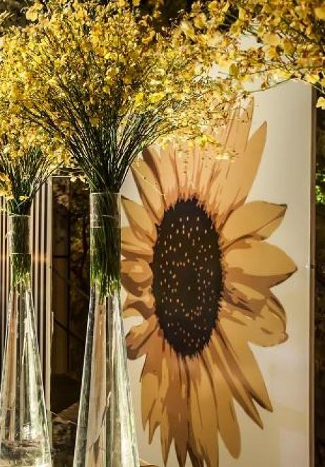 "Inside a Luxury ""Sunflower Wedding"""