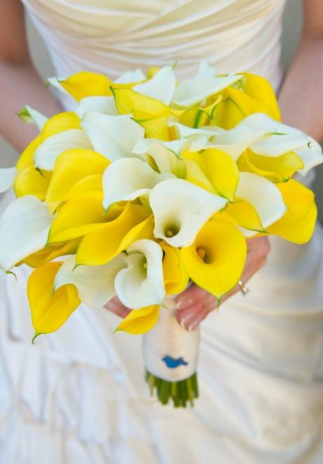 10 Sophisticated Calla Lily Wedding Bouquets