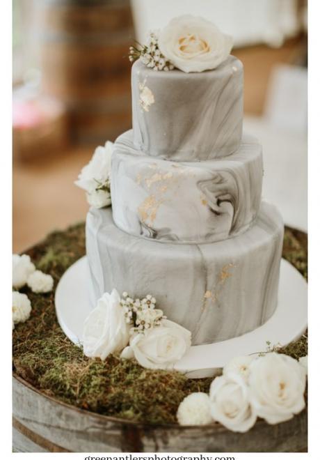 كيكات زفاف مذهلة بأسطح رخامية