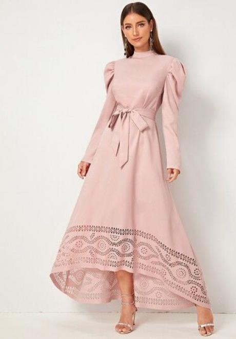 تألقي بفساتين طويلة بأكمام في شهر رمضان المبارك