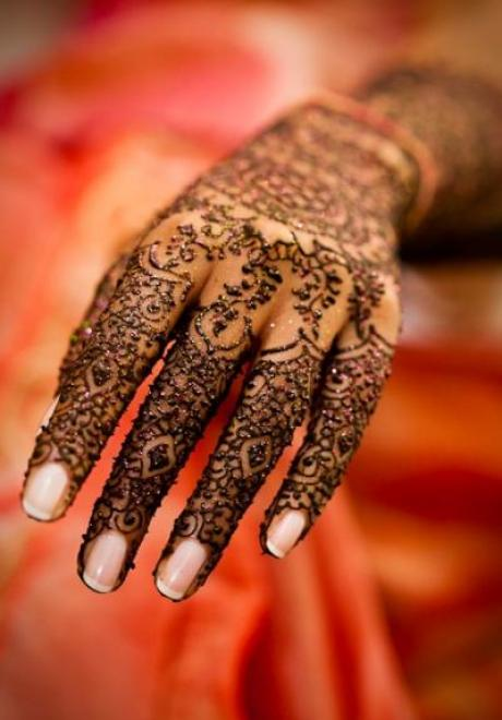 Indian Henna for Your Arabic Wedding