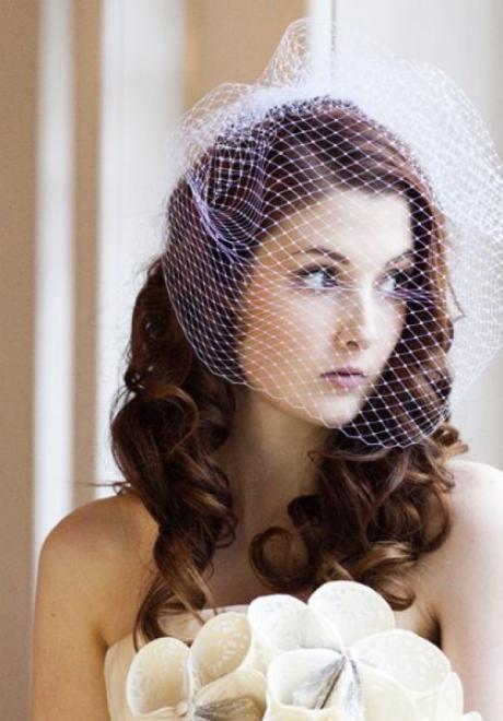 أجمل تسريحات الريترو لعروس متألقة