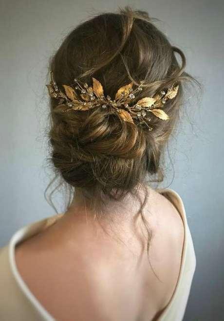 إكسسوارات الشعر الذهبية