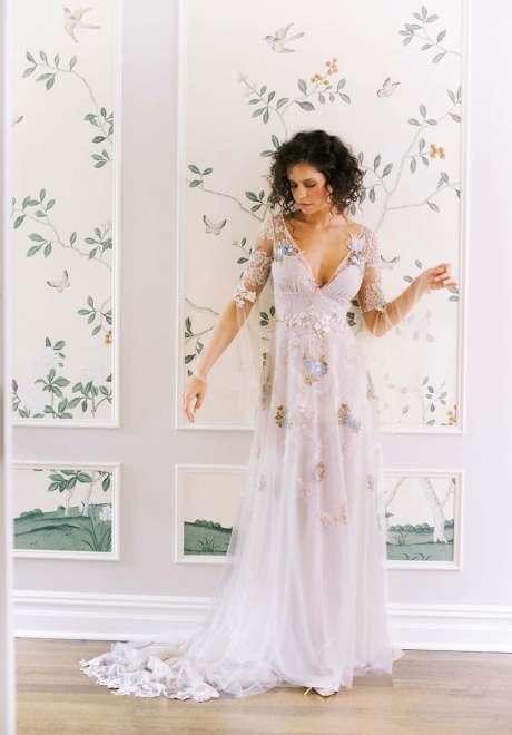 مجموعة فساتين زفاف كلير بيتيبون لخريف 2020