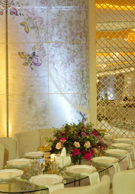 A Luxurious Leaves Wedding Theme in Doha
