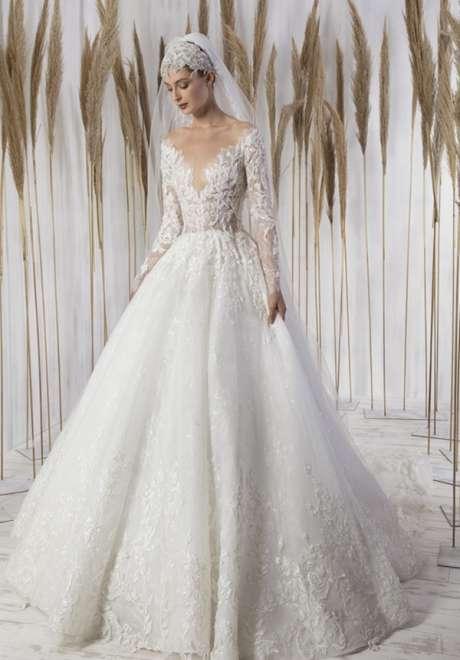 مجموعة فساتين زفاف طوني ورد لخريف 2021