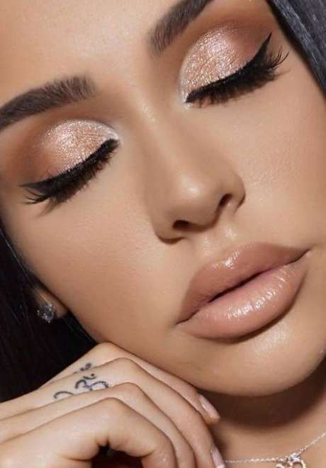 Metallic Makeup Looks for The New Year Bride