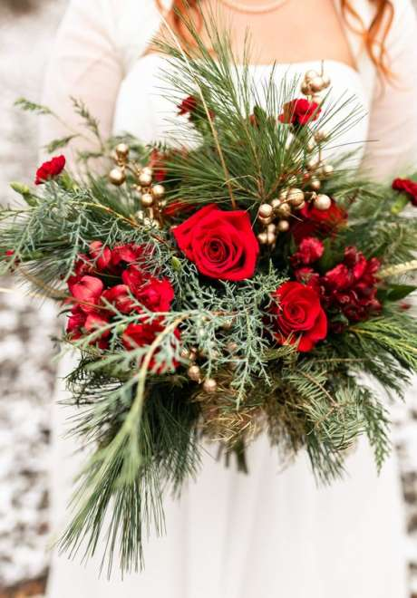 Wonderful Christmas Inspired Wedding Bouquets
