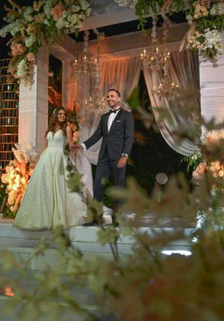 حفل زفاف من وحي بريق الكريستال في الإسكندرية