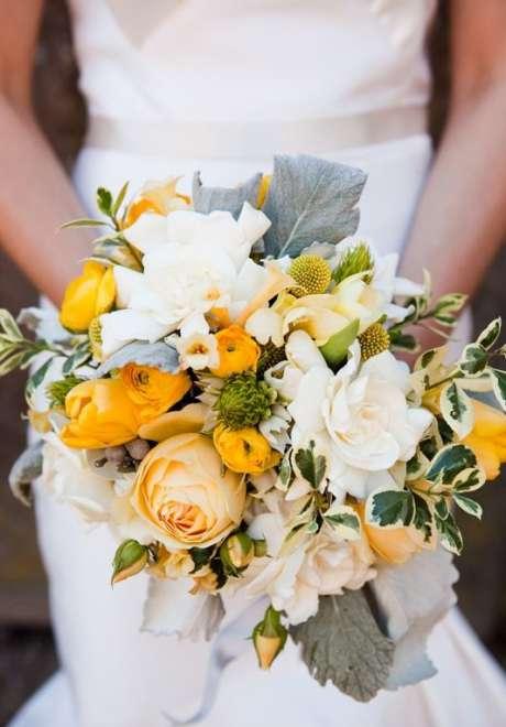ديكورات حفل زفاف مستوحاة من ألوان عام 2021