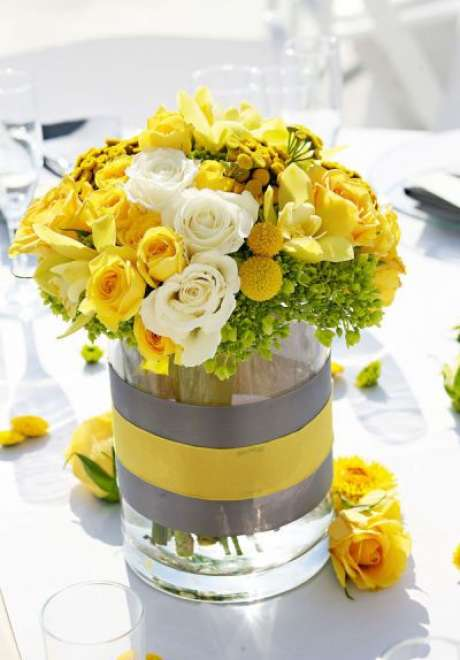 Wedding Colors Inspired by The 2021 Colors of The Year