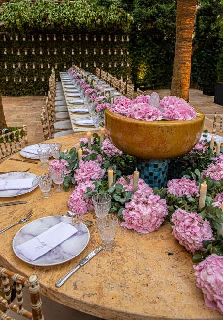 حفل خطوبة باللون الوردي الجميل في الأردن