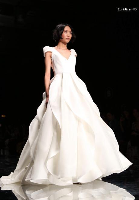 مجموعة فساتين زفاف اينزو ميتشو لعام 2020