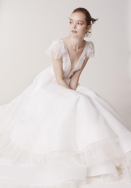 مجموعة الين لفساتين زفاف 2020 من تصميم ريتا فينيريس