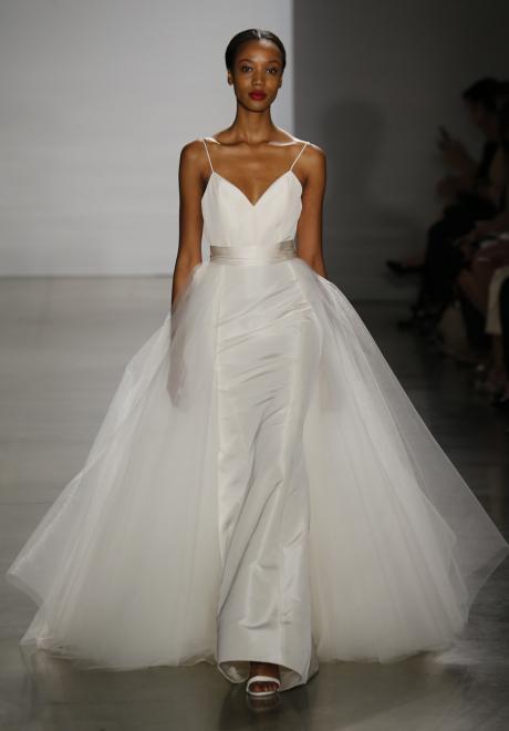 أسبوع نيويورك لأزياء الزفاف 2015: مجموعة أمسايل لفساتين الزفاف لخريف 2016