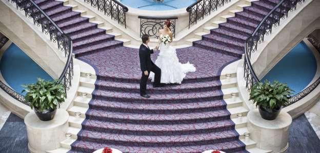 عرض حفل زفاف من فندق موفنبيك بر دبي