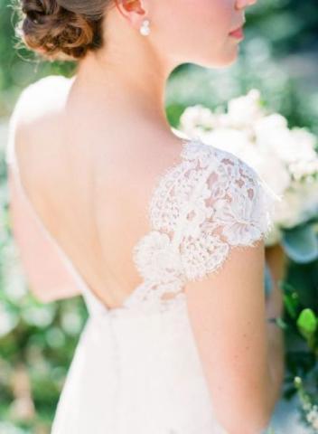 Feminine Wedding Dresses with Cap Sleeves