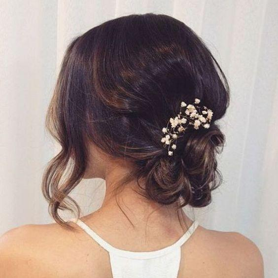 16 Simple Bridal Hairstyles For The Bride of 2018