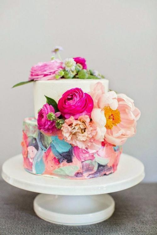 أجمل كيكات الزفاف الملونة