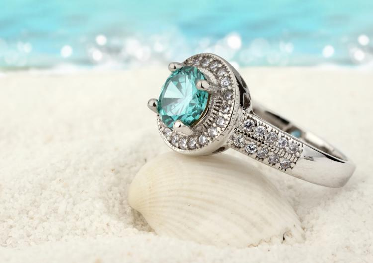 Types of Jewellery to Wear on Your Honeymoon