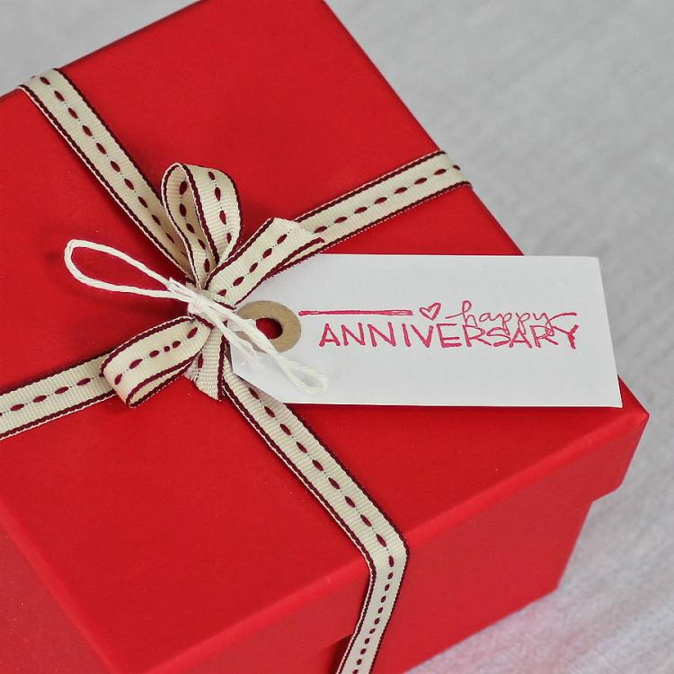 4 Loving Anniversary Gifts for Your Wife
