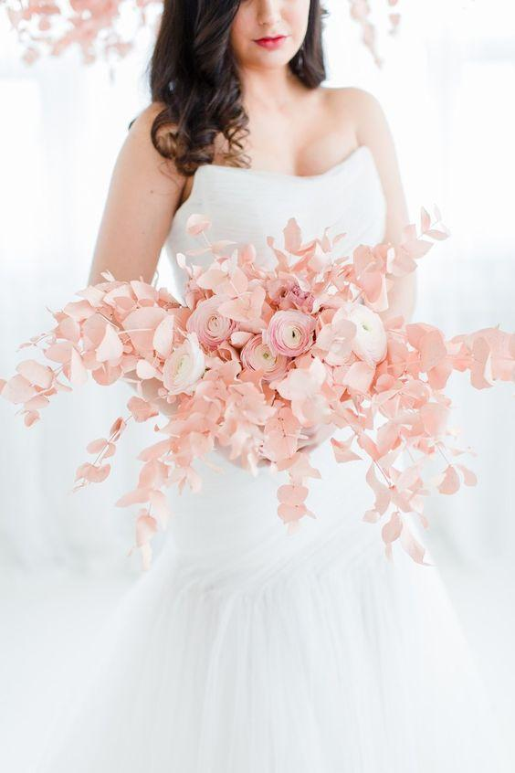 The Latest Wedding Bouquet Trends for 2020