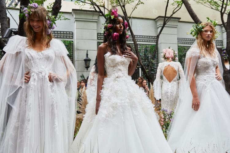 صيحات موضة فساتين العرائس لعام 2020