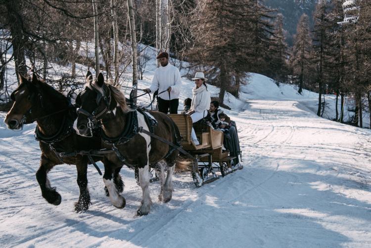 4 أماكن مذهلة حول العالم لإقامة حفل زفاف في فصل الشتاء