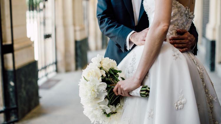 كيف يمكنك مشاركة تغييرات الزفاف الطارئة في اللحظة الأخيرة مع ضيوفك