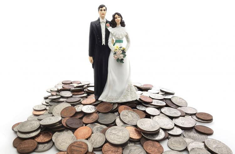 16 Wedding Budget Tips to Save You Lots of Money