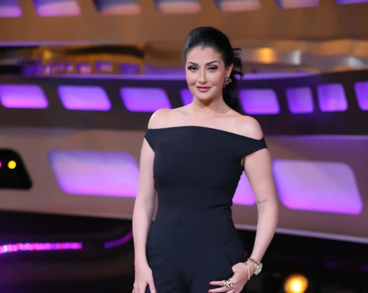 الممثلة المصرية غادة عبد الرازق تتزوج للمرة الـ12