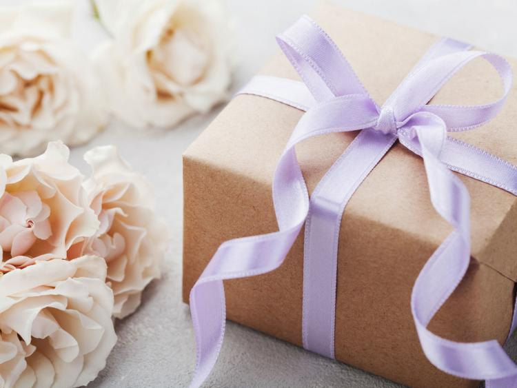 5 Things You Need To Know About Wedding Registries