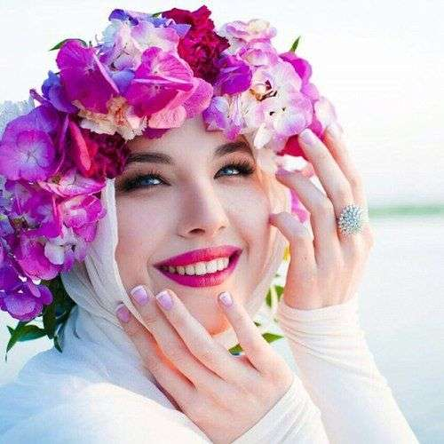 Beautiful Floral Crowns For Bridal Hijabs