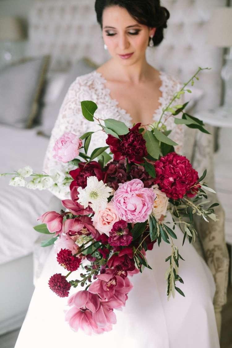 Best Flowers for a Wedding Bouquet