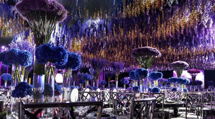 حفل زفاف من تنظيم أزهار اليسار
