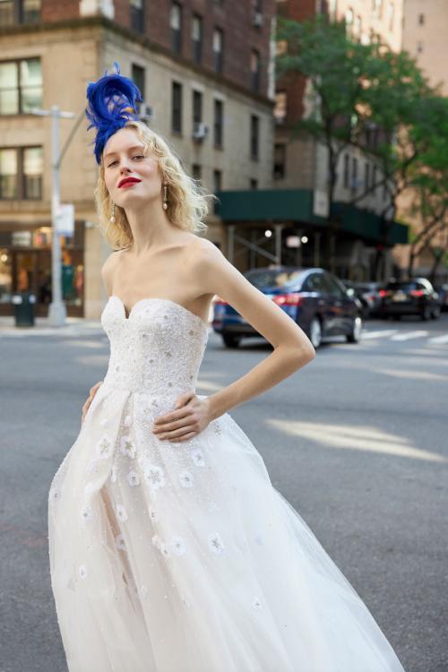 فستان زفاف من تصميم ريم عكرا