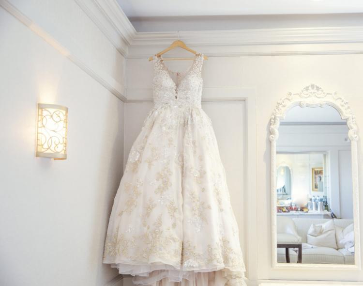 إعادة استخدام فساتين الزفاف