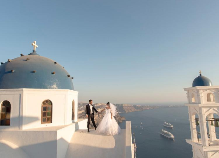 Lebanese wedding in Santorini by Elani Dona