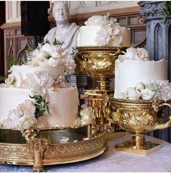 unstructured wedding cake