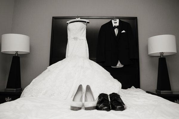 جمع صور الزفاف في كتاب