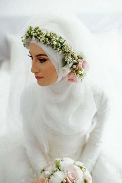 Hijab with Flower Crowns