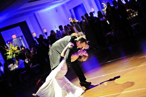 الرقصة الأولى