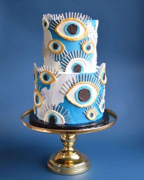 كيكة زفاف بثيم الخرزة الزرقاء