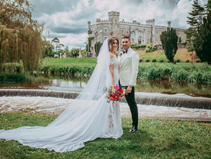 حفل زفاف في قلعة بيلينجهام ، أيرلندا