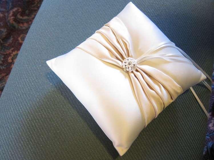 DIY Ring Pillowcase