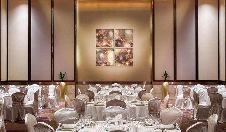 Swissotel Al Ghurair Hotel