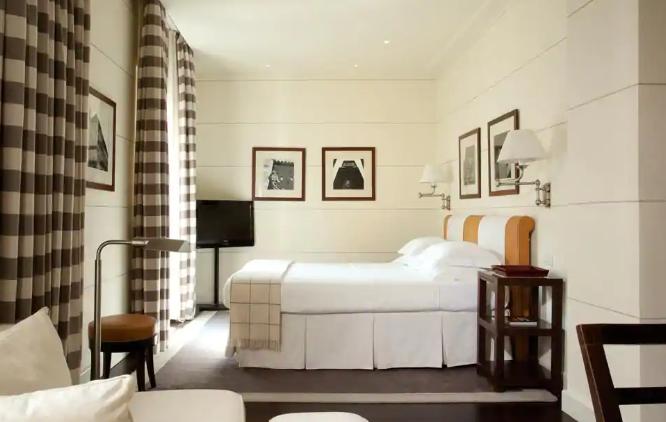 فندق غاليري آرت،فلورنس