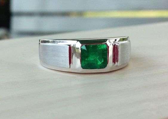 Emerald Men Ring
