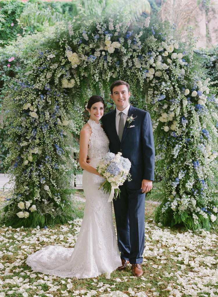 A Wedding Full Of Flowers and Tin Stars 6
